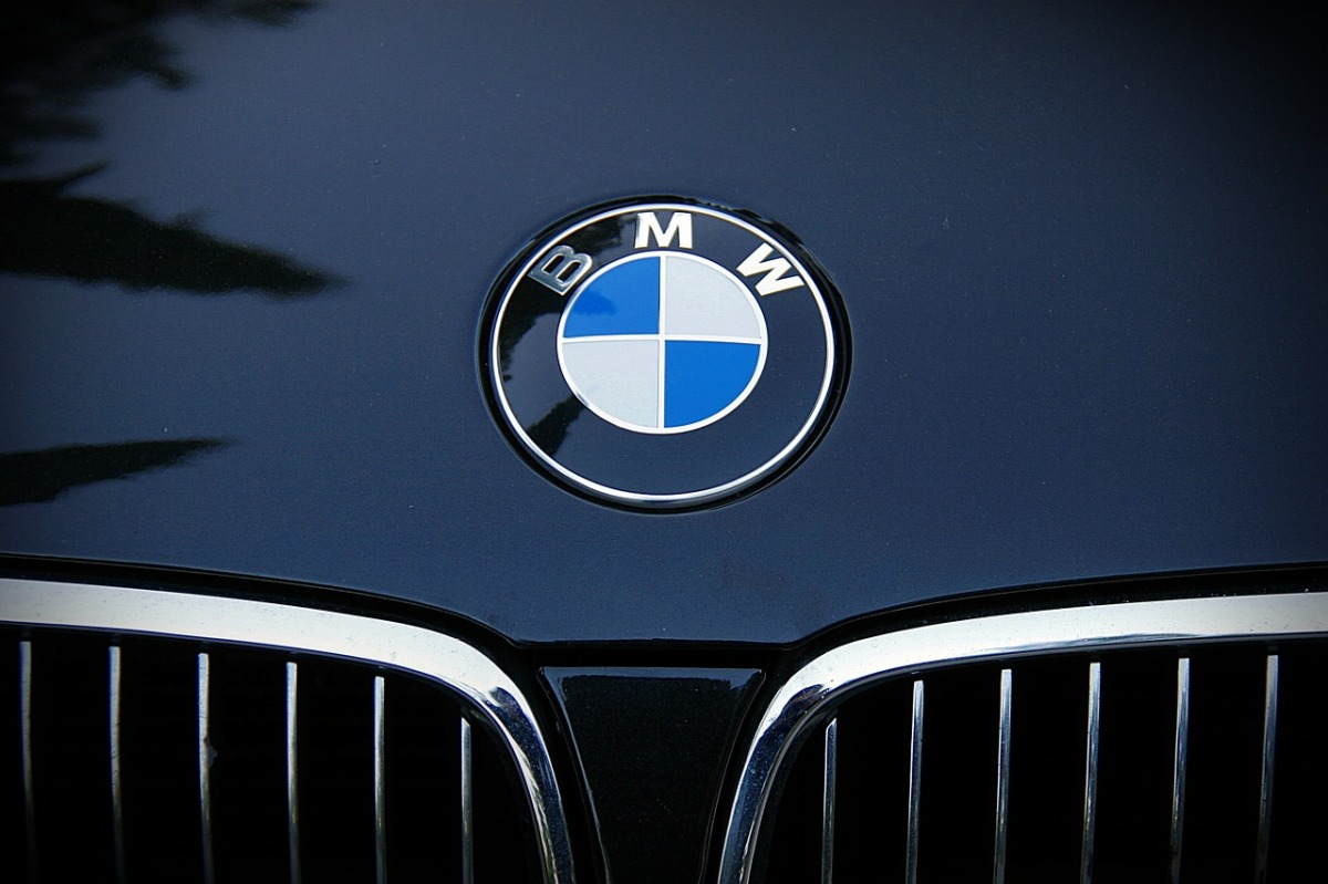 Thailand Wooing Bmw To Set Up Battery Plant For Plug In Hybrid Vehicles