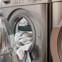 The International Trade Commission recommends imposing steep import duties on LG and Samsung washing machines